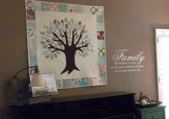 Family Tree Quilt & Vinyl Saying