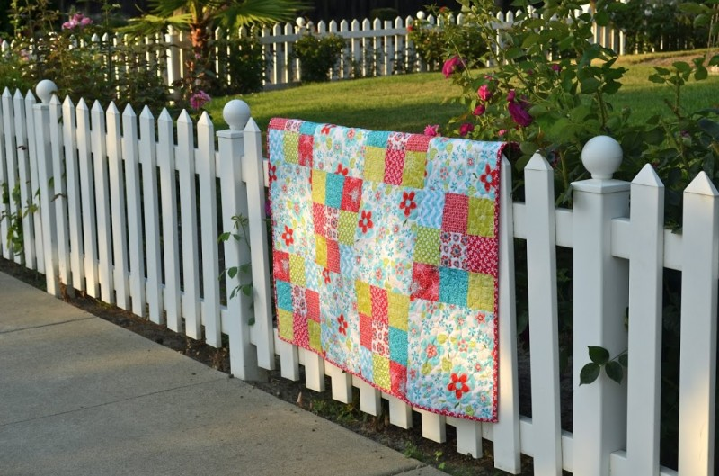 """""""9-Patch Big Block"""" a Free Picnic Quilt Pattern designed by Amanda from Jedi Craft Girl"""