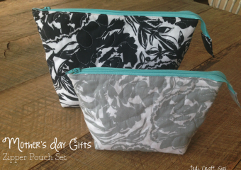 Mother's Day Gifts: Zipper Pouch Set