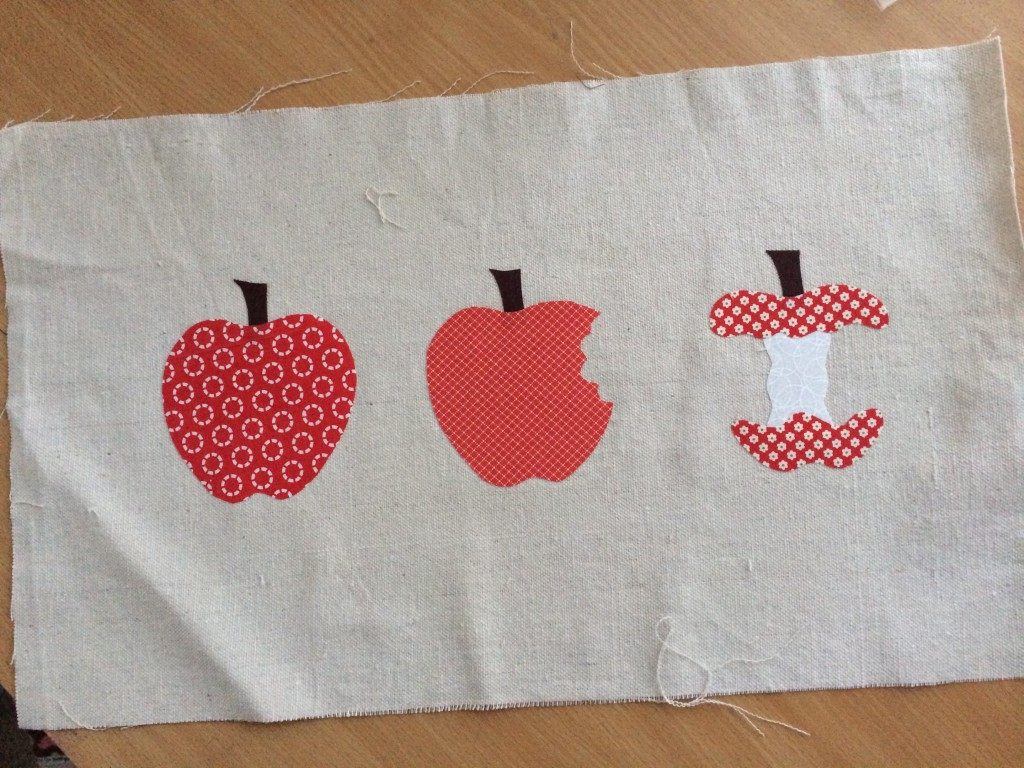 apple_pillow_tutorial