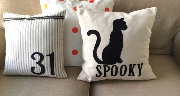 SPOOKY CAT Pillow