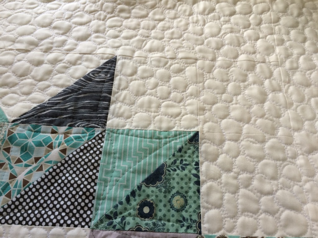 christmas half square triangle quilt 7