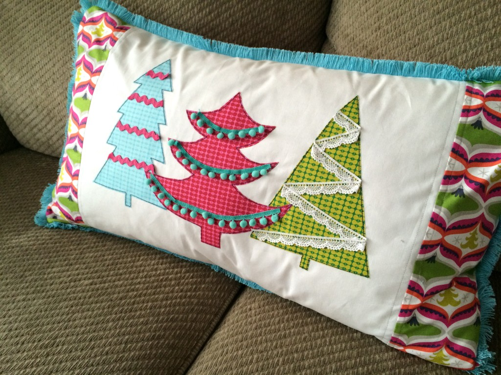 treelicious christmas pillow 16
