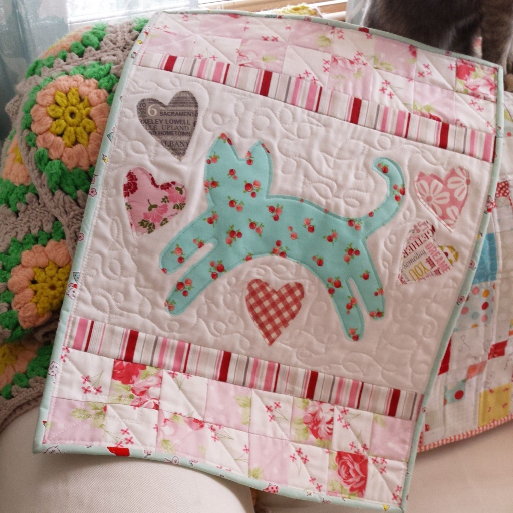 mini kitty quilt
