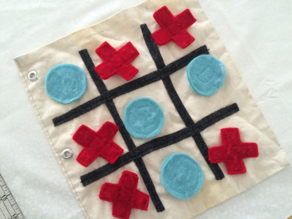 tic tac toe valentine pillow