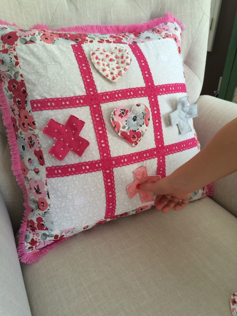 tic tac toe valentine pillow 18