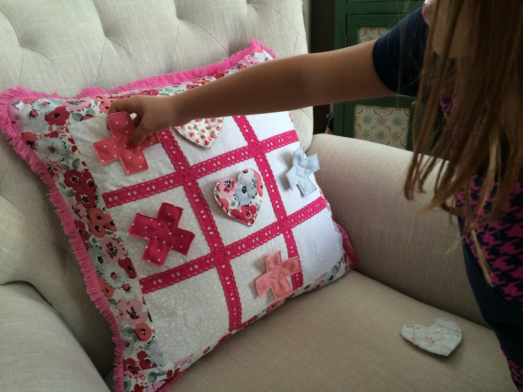 tic tac toe valentine pillow 20