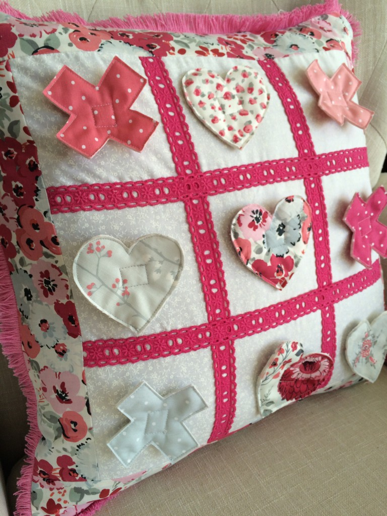 tic tac toe valentine pillow 22