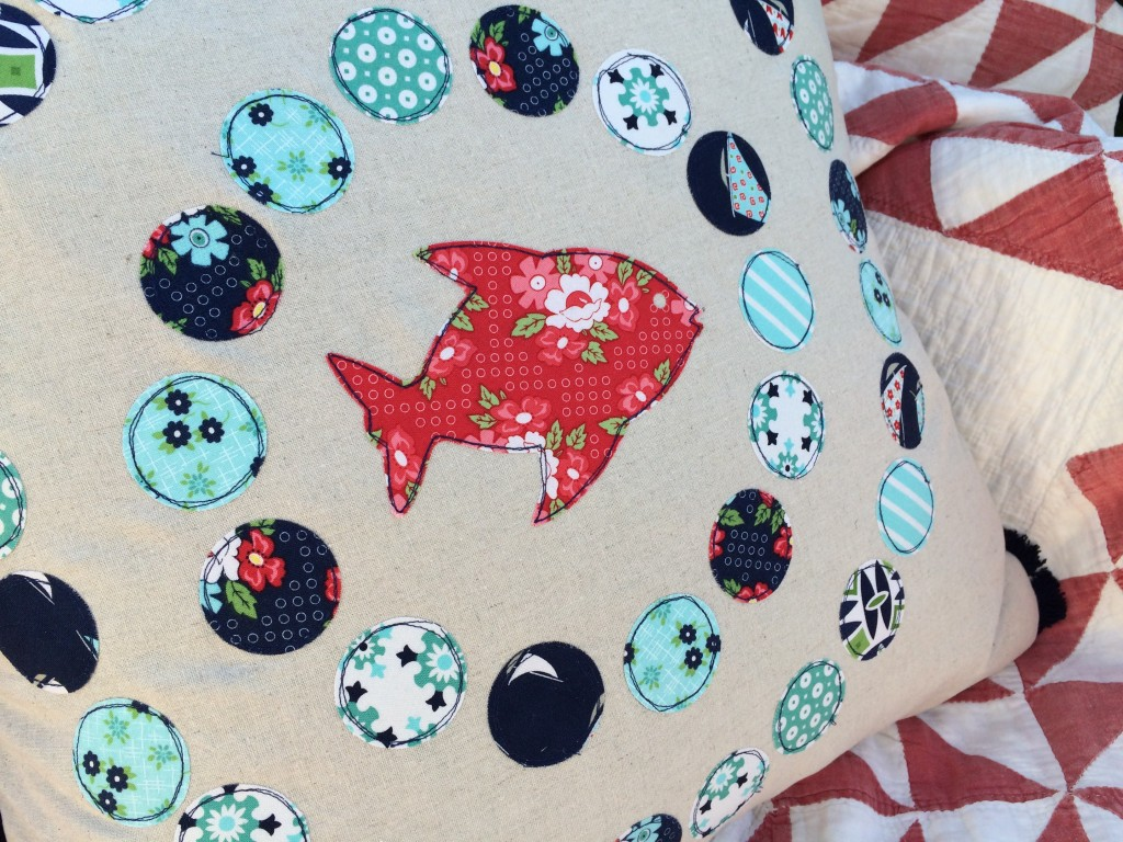 daysail fish bubbles pillow 18