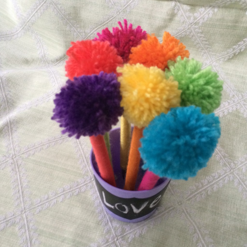 Mother\'s Day Pom Pom Pen Bouquet