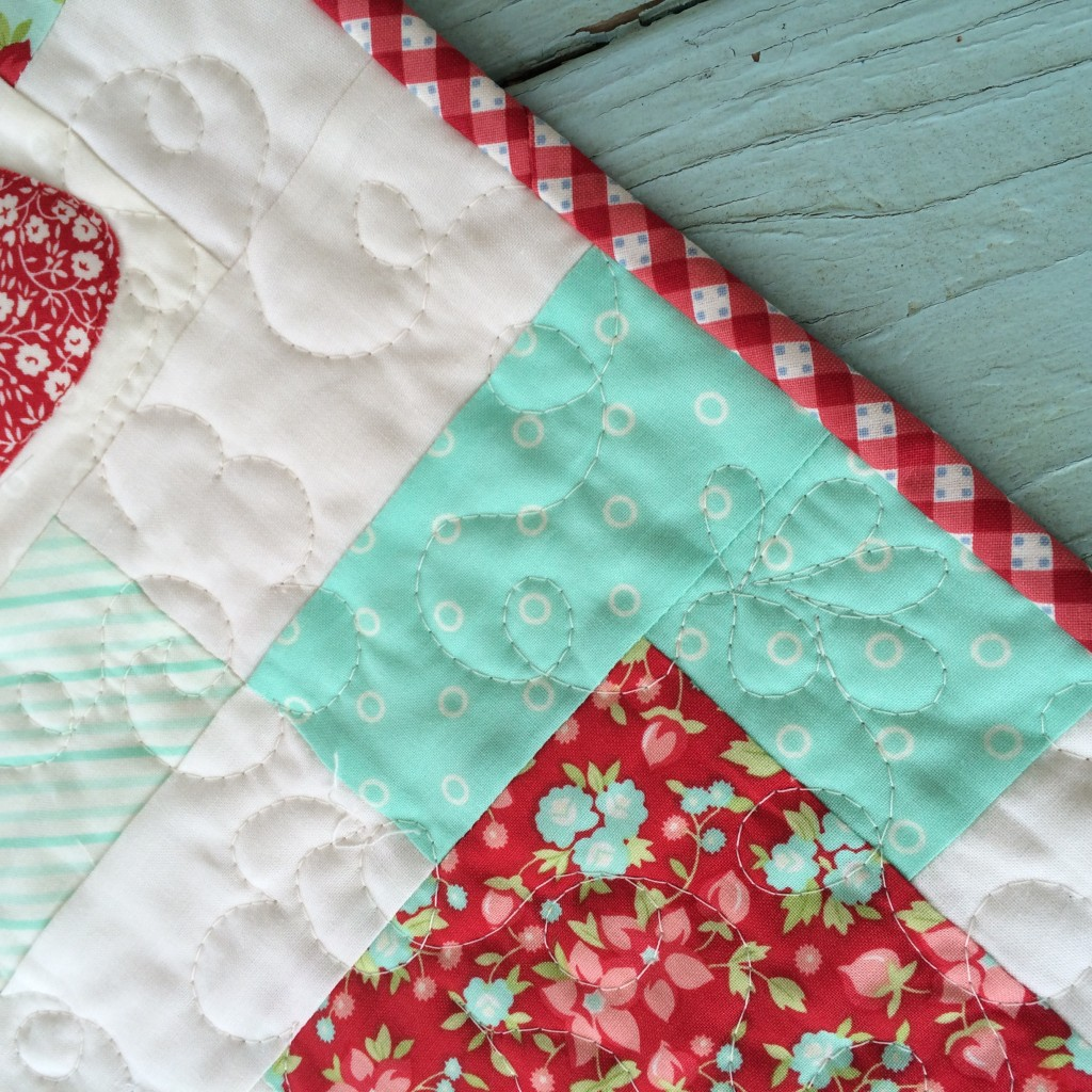 strawberry patch quilt hello darling moda 6