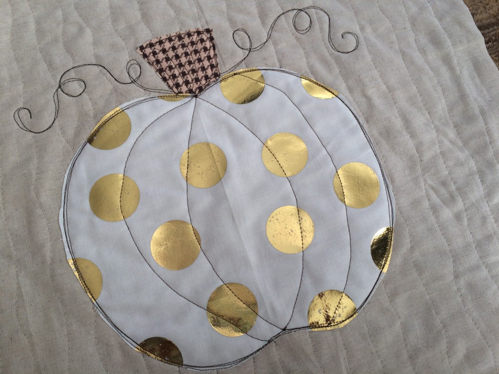 sizzix pumpkin pillow deco foil 15