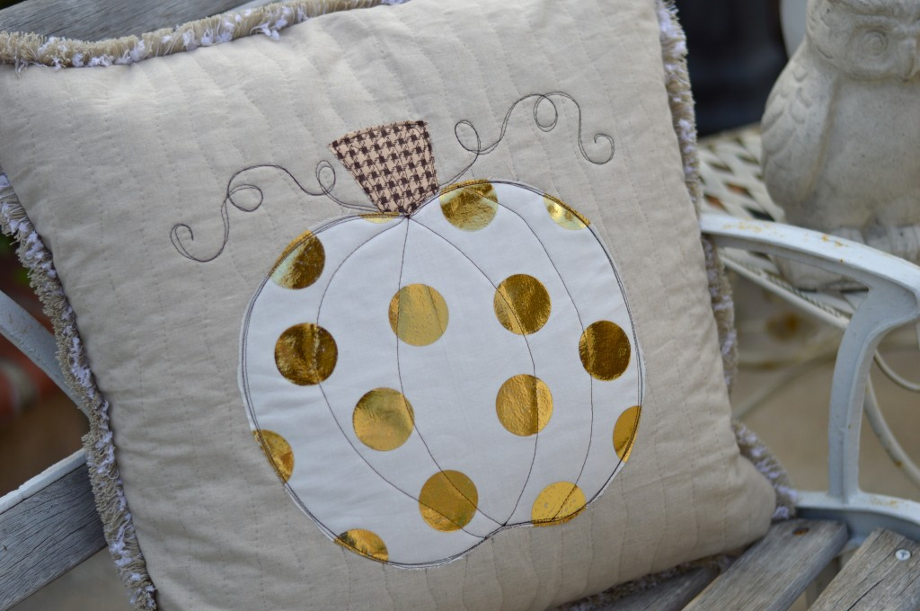 sizzix pumpkin pillow deco foil 18