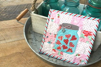 Mini Mini Quilt {Sizzix Jar Applique}