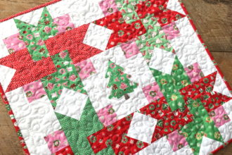 Very Merry Wall Quilt {Free Pattern}